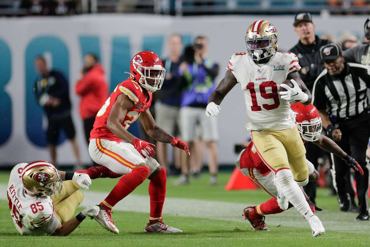 San Francisco 49ers' Deebo Samuel runs for yardage in the third quarter during Super Bowl LIV between the San Francisco 49ers and the Kansas City Chiefs at Hard Rock Stadium on Sunday, Feb. 2, 2020 in Miami Gardens, Fla.