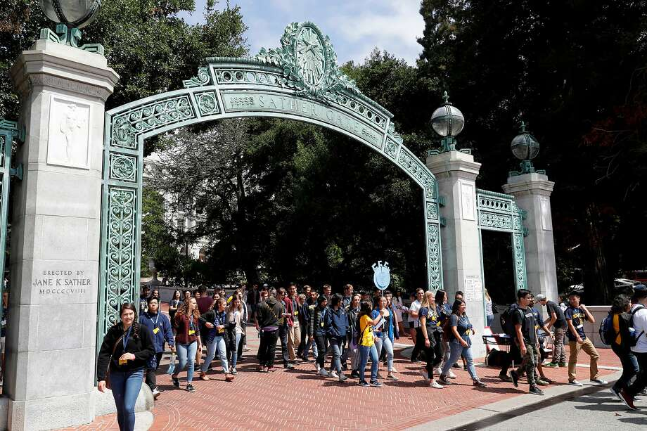 UC Berkeley and the other campuses use SAT or ACT scores, along with high school GPA, to determine admission eligibility. Photo: Marcio Jose Sanchez / Associated Press 2017