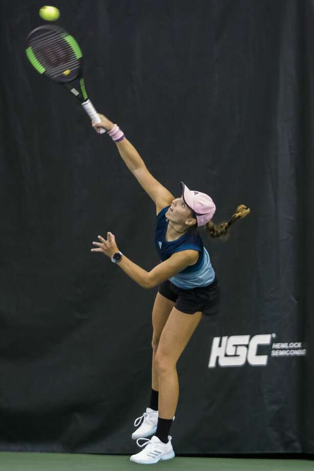 Midland's Ellie Coleman competes at the Dow Tennis Classic in 2019. Photo: Katy Kildee/kkildee@mdn.net
