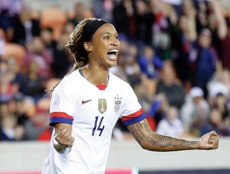 U.S. forward Jessica McDonald celebrates her second-half goal against Costa Rica on Monday night.