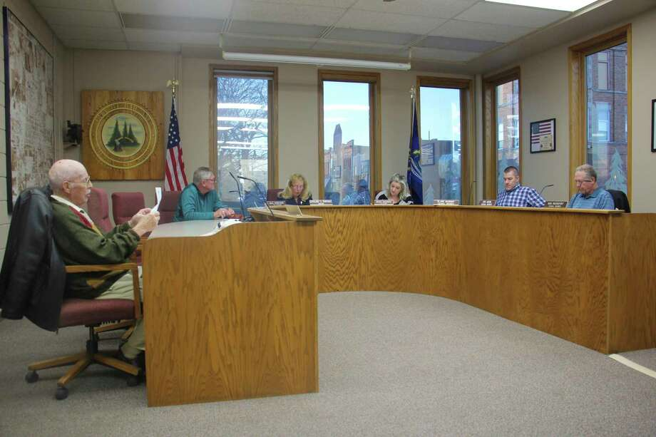 The Bad Axe City Council approves recommendations from the finance committee. (Sara Eisinger/Huron Daily Tribune)