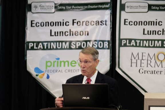 Dr. Bill Gilmer, an expert on the Houston economy, recently addressed members of the Greater Heights Chamber of Commerce. Gilmer reported that  the oil and gas industry is suffering, and the economic structure of the fracking industry is to blame.