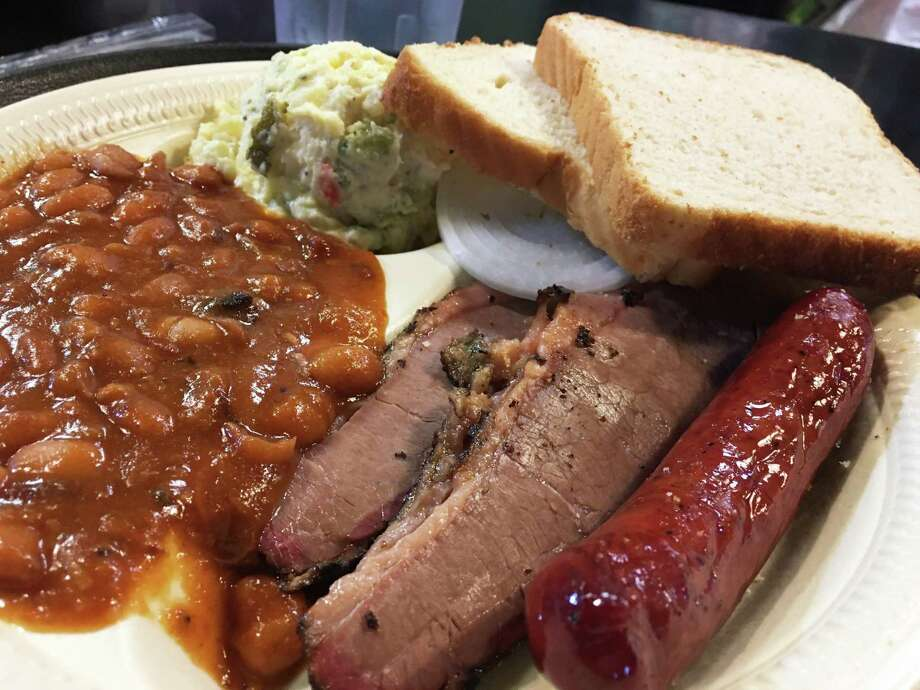 A beef and sausage plate at Bun 'N' Barrel Photo: Chuck Blount /Staff