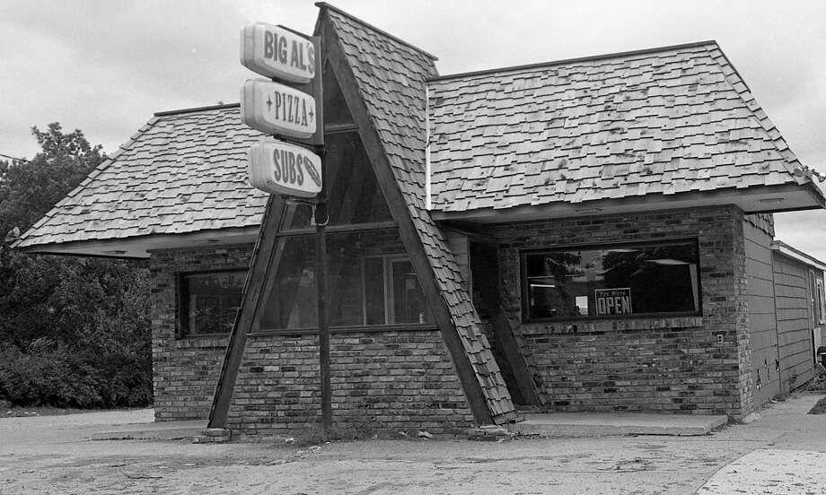 The entrance to the popular Big Al's Pizza looked much different in the late 1980s.