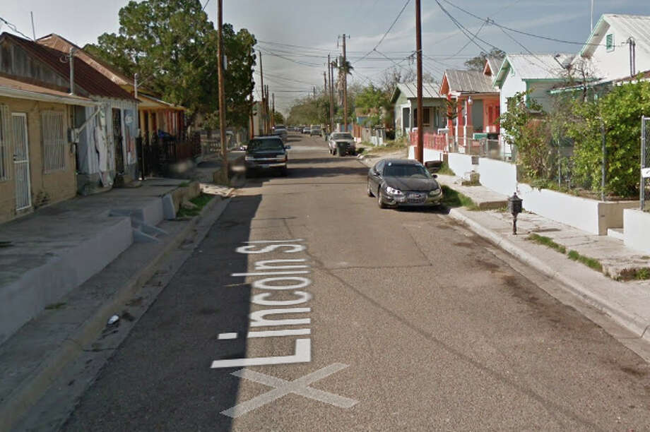 Lincoln Street near downtown Laredo will face a closure throughout the month February as gas lines are replaced. Photo: Google Maps/Street View
