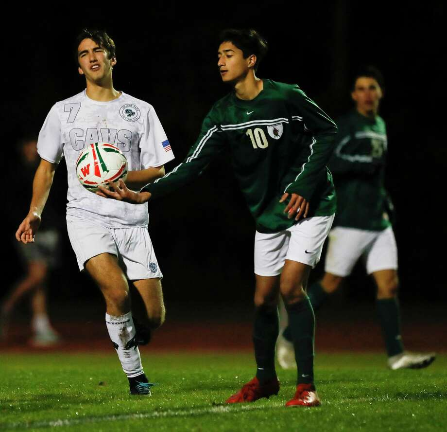 The Woodlands midfielder Hasan Arif (10), shown here in January against College Park, scored a second half goal for the Highlanders in a win over Klein Tuesday night. Photo: Jason Fochtman, Houston Chronicle / Staff Photographer / Houston Chronicle © 2020