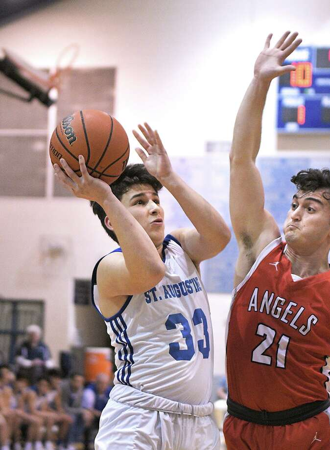 Estevan Barrientos scored a game-high 19 points Tuesday in St. Augustine's 73-43 win over Incarnate Word. Photo: Cuate Santos /Laredo Morning Times / Laredo Morning Times