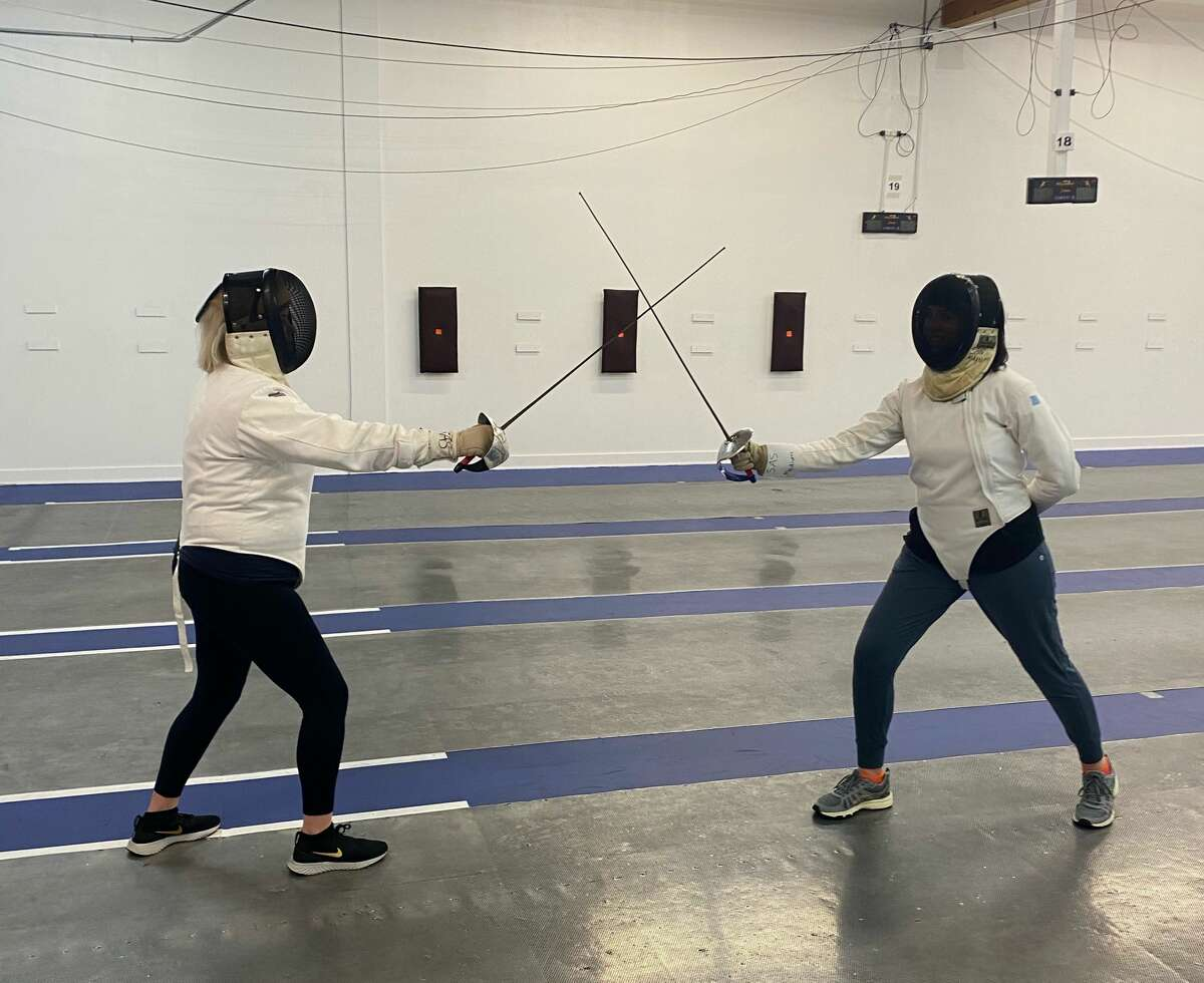 Mystery sent Van Camp and Knauff to Salle Auriol for a fencing lesson.