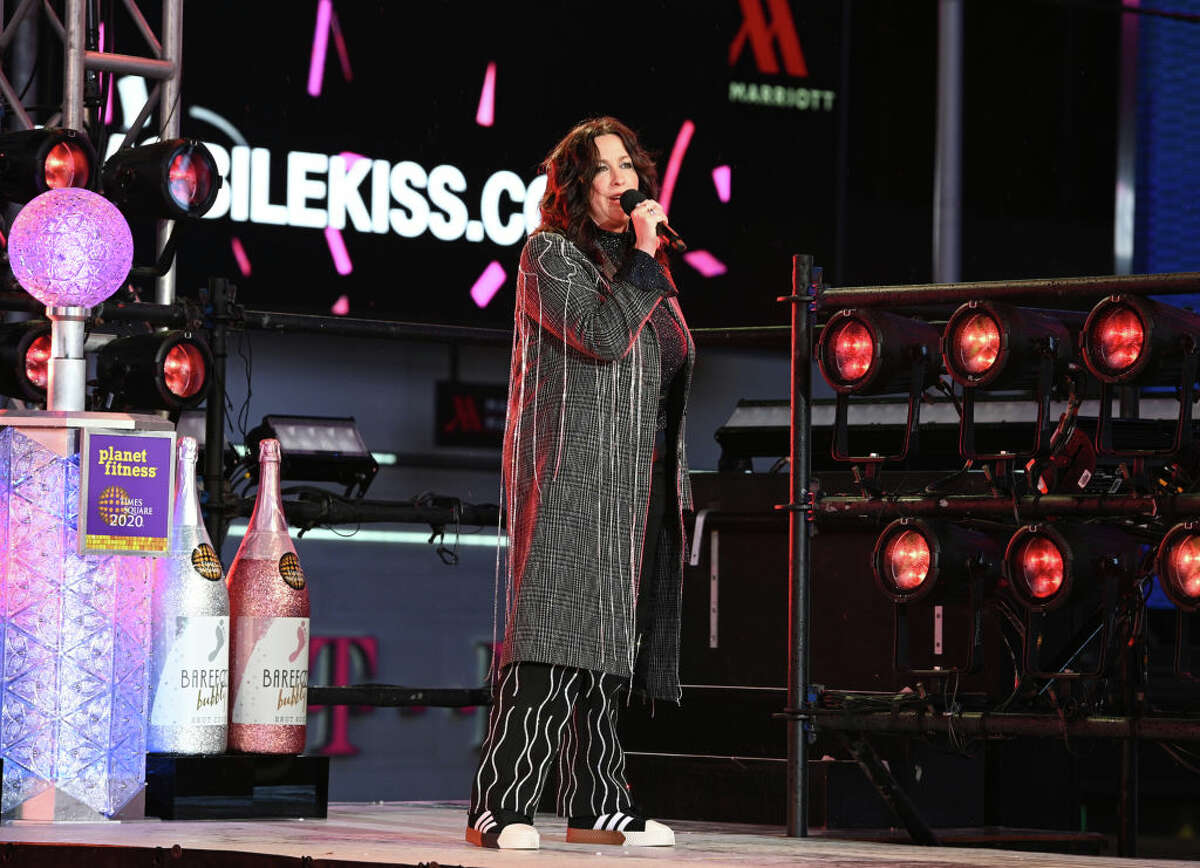 """Alanis Morissette, performing for the first time with the cast of the hit Broadway musical """"Jagged Little Pill""""."""