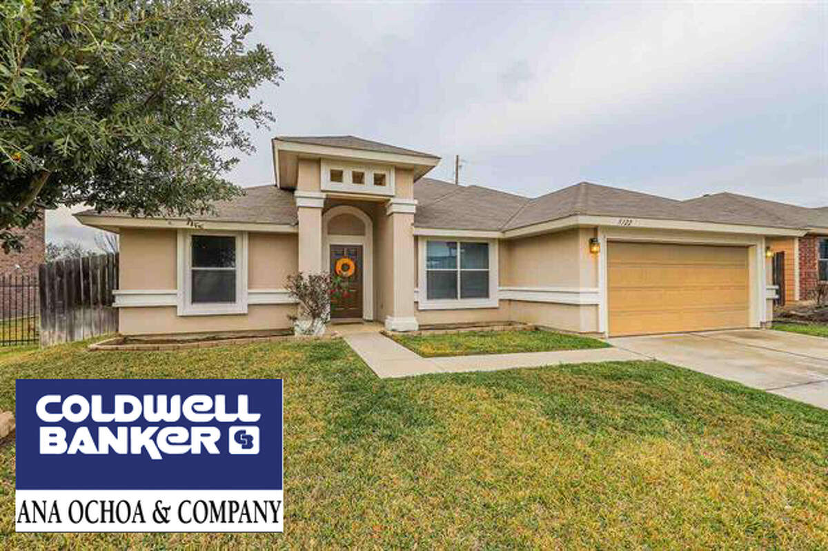 5322 Lost Hills Trail.Click the address for more information $195,000. SqFt Lot 6,000, 3 Bedrooms, 2 Full Baths, Year Built 2012 Subdivision: Escondido School District: UISD Zone: 13 E of Loop 20 between Del Mar Blvd and Hwy 59. Amenities: Cable Tv, Walk in Closet, Garage Beautiful home in desirable subdivision of Escondido with great location off of Lp 20 and Hwy 59. Gated community. All tile floors. Tile counters in kitchen. Fully fenced Yael Rodriguez Business: (956) 722-4822 Cell: (956) 693-8181, Yael.reodriguez@coldwellbanker.com