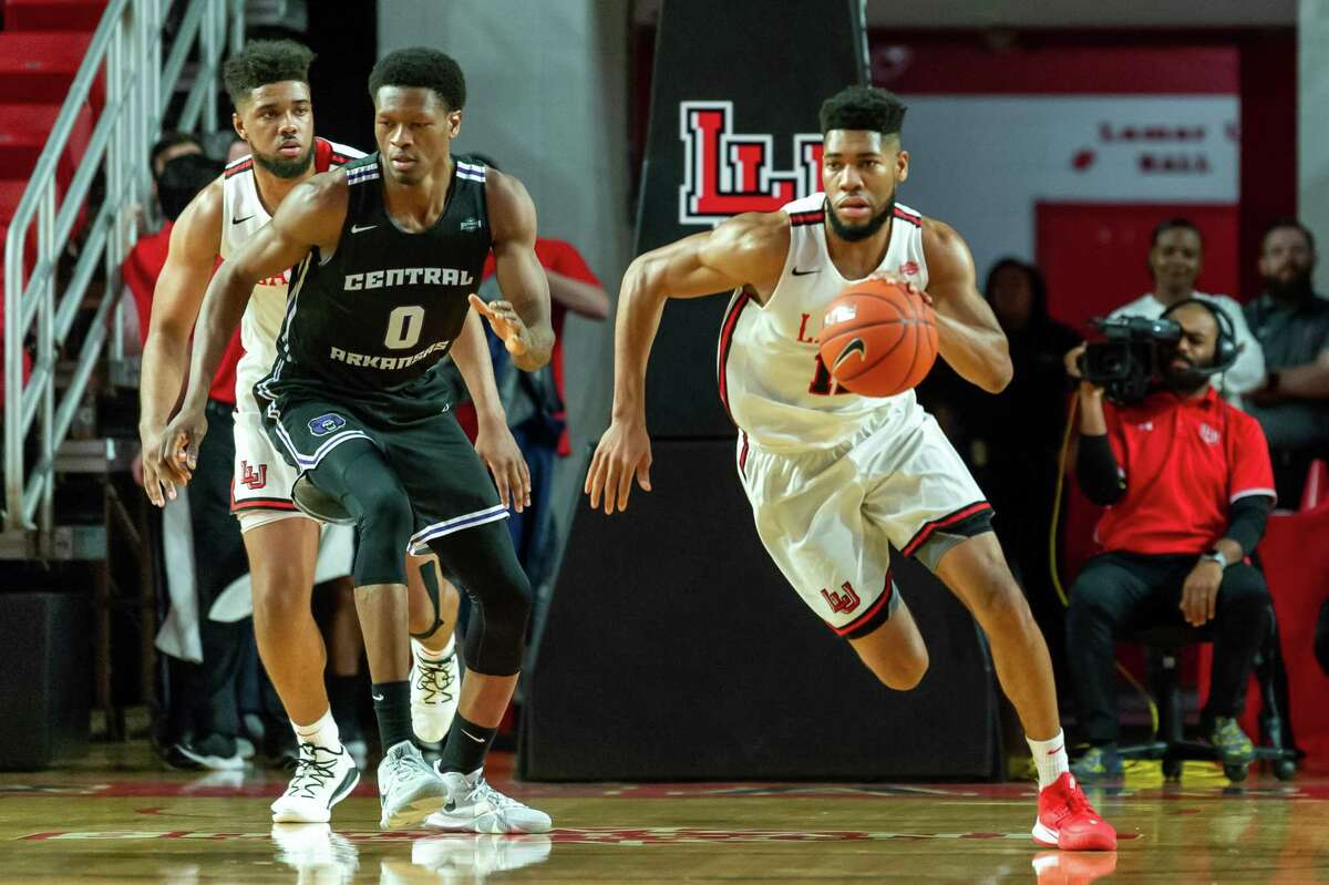 V.J. Holmes (12) brings the ball up court in the first half as the Bears of Central Arkansas came to town to match up against the Lamar Cardinals on Febrtuary 5, 2020. Fran Ruchalski/The Enterprise