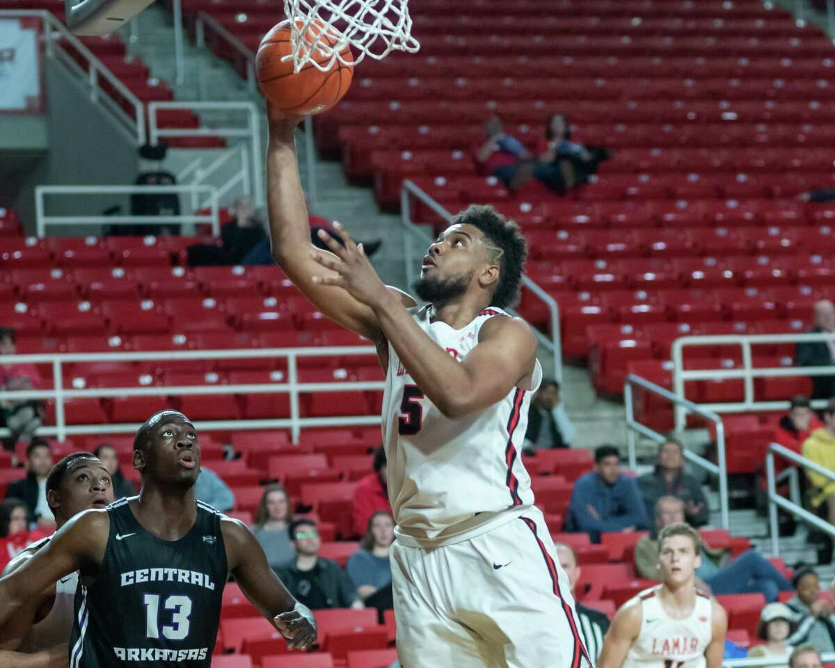 Avery Sullivan (5) puts up an uncontested shot from underneath as the Bears of Central Arkansas came to town to match up against the Lamar Cardinals on Febrtuary 5, 2020. Fran Ruchalski/The Enterprise
