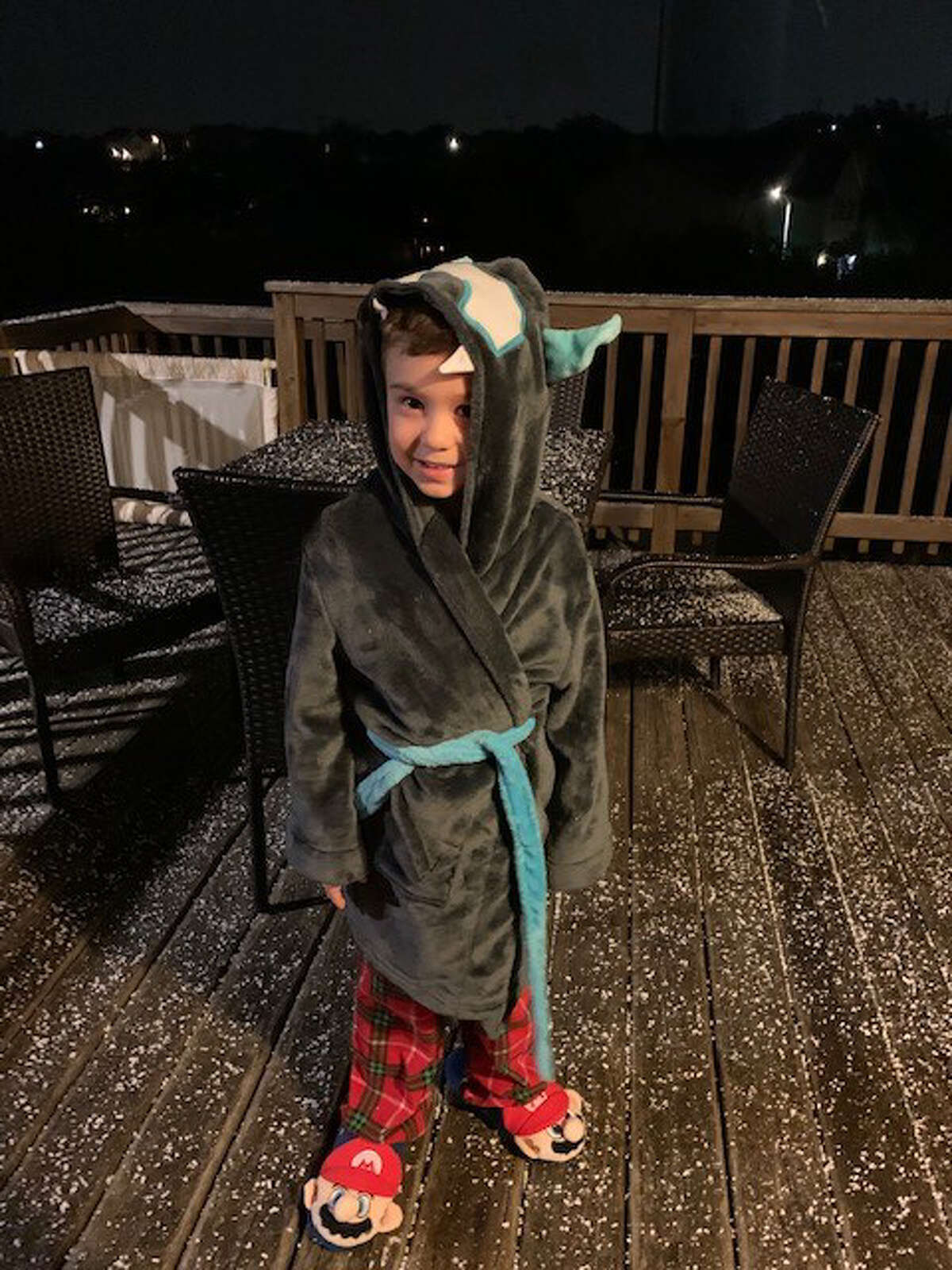 San Antonio saw a wintery mix Wednesday night. MySA readers shared photos of what they saw in their neighborhood.