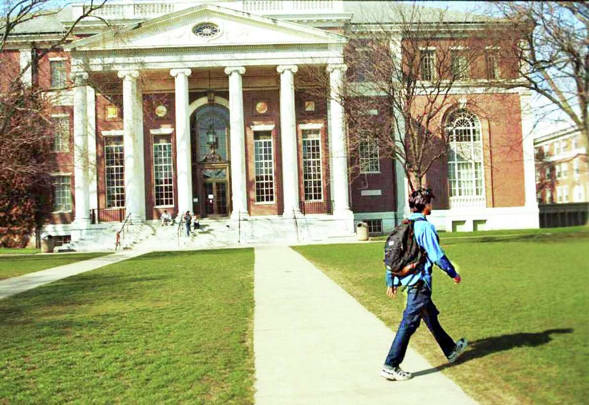 Wilton college students are named to the dean's list at their colleges.