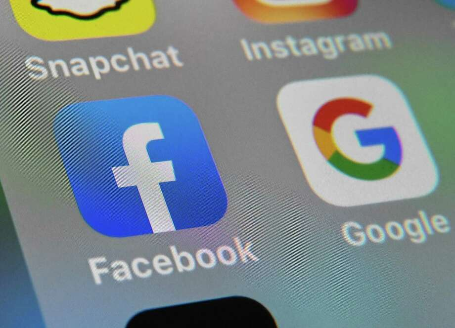 Some users will be paid to deactivate Facebook for up to six weeks. Photo: DENIS CHARLET, Contributor / AFP Via Getty Images / AFP or licensors
