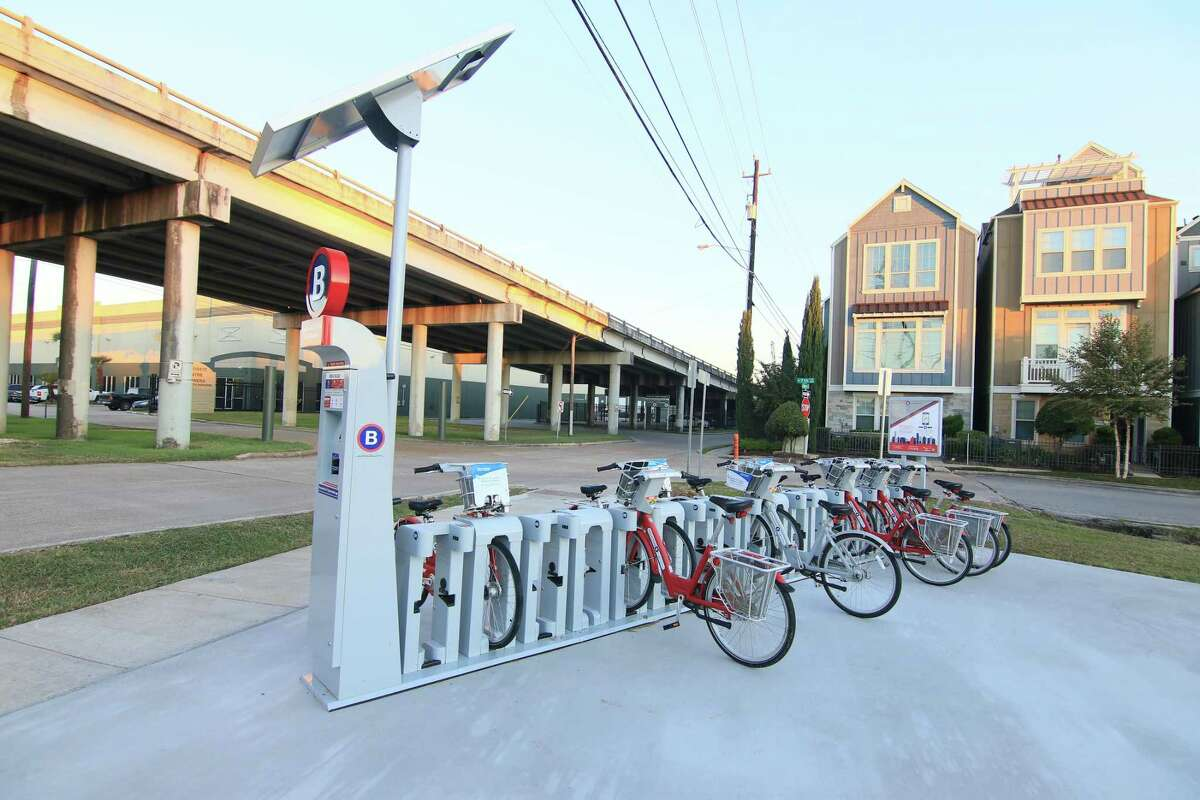 Houston BCycle, a bike share system, opened the Heights M-K-T station at 700 N. Shepherd Drive.