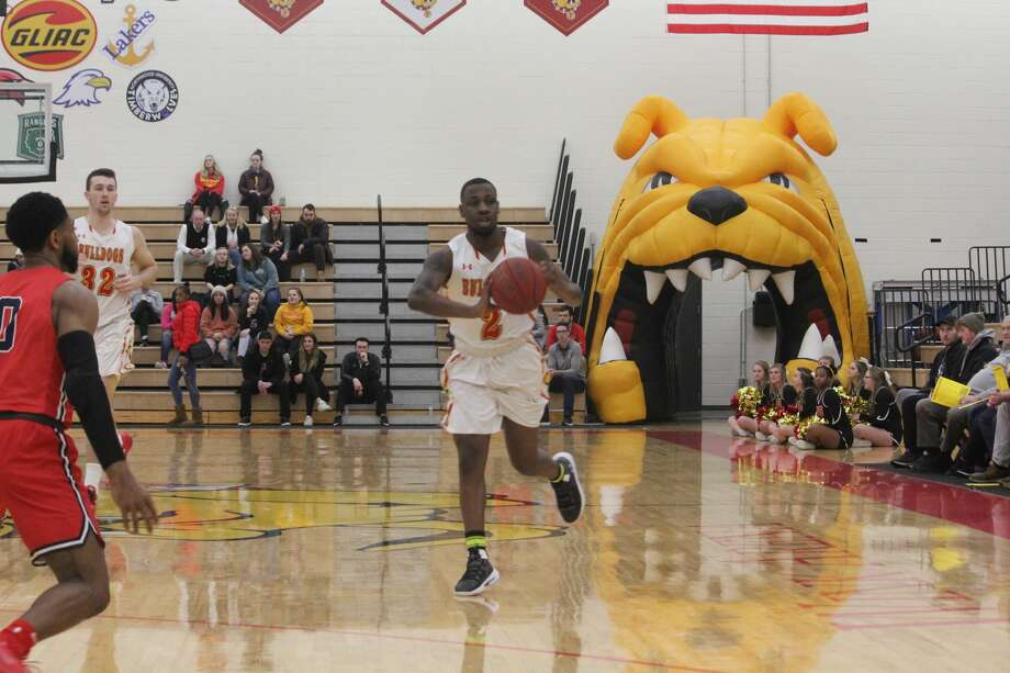 It was all Ferris State in an 84-65 men's basketball win on Thursday over Saginaw Valley. Photo: John Raffel