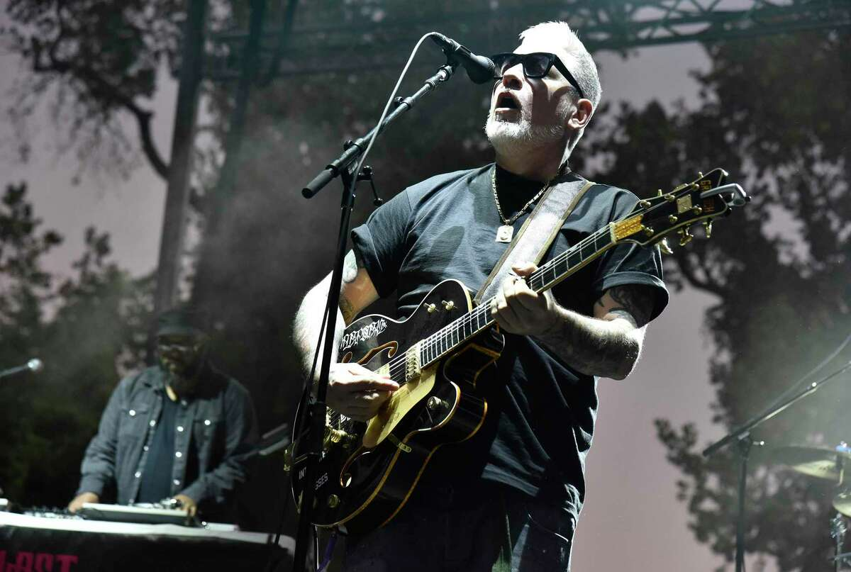 Everlast is performing at Norwalk's Wall Street Theater March 12 in support of his disc