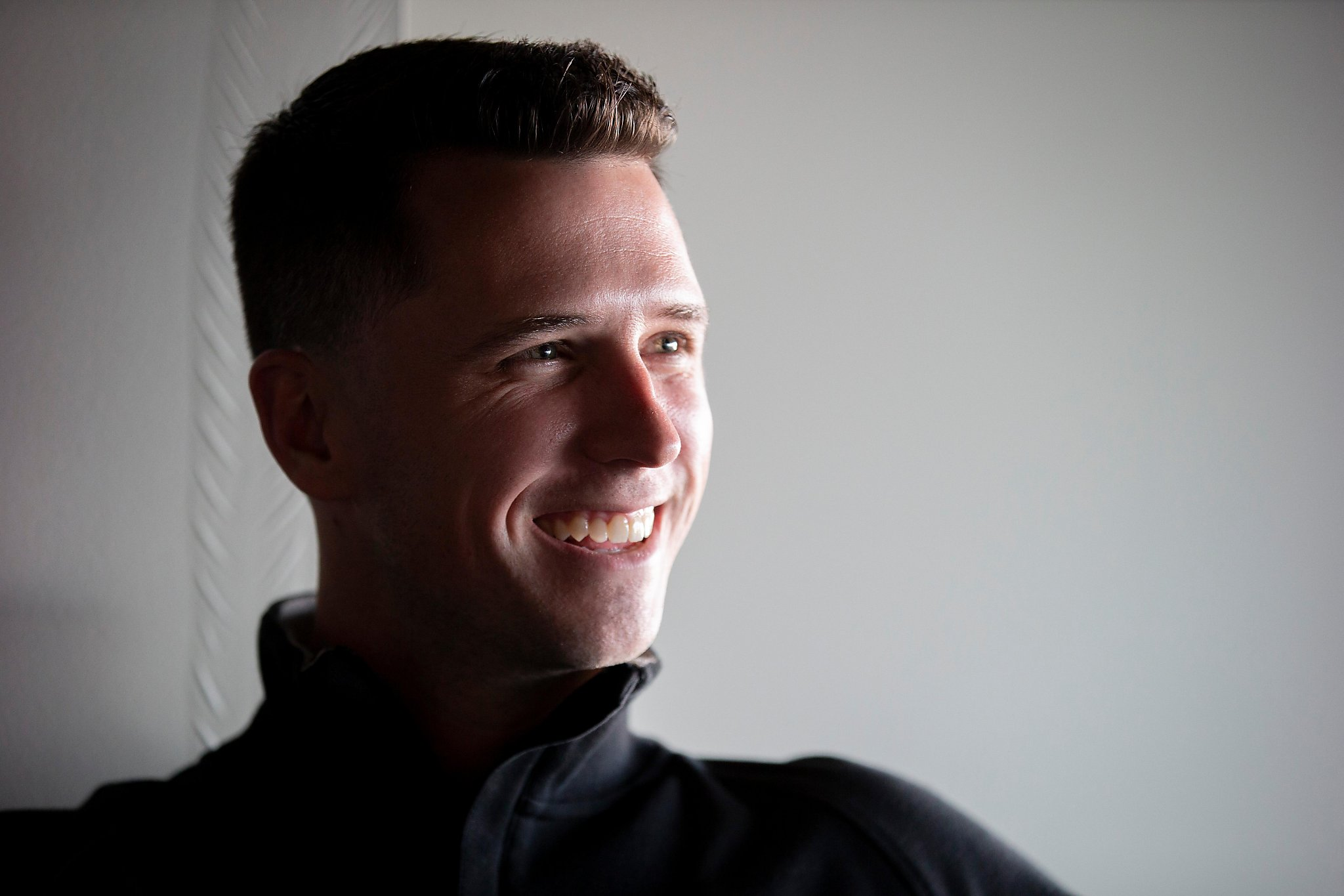 Giants' Buster Posey suggests using microphones to give signs to pitchers