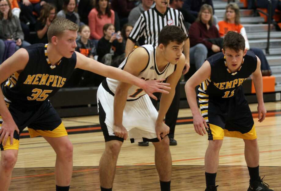 The Ubly boys basketball team procured a 55-31 win over Memphis on Friday, Feb. 7. Photo: Eric Rutter/Huron Daily Tribune