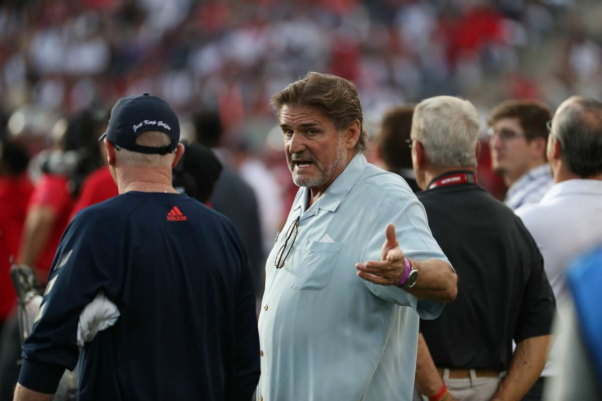 NFL quarterback Dan Pastorini was seen on the Houston Roughnecks sidelines during the first quarter of an XFL football game at TDECU Stadium on Saturday, Feb. 8, 2020, in Houston.