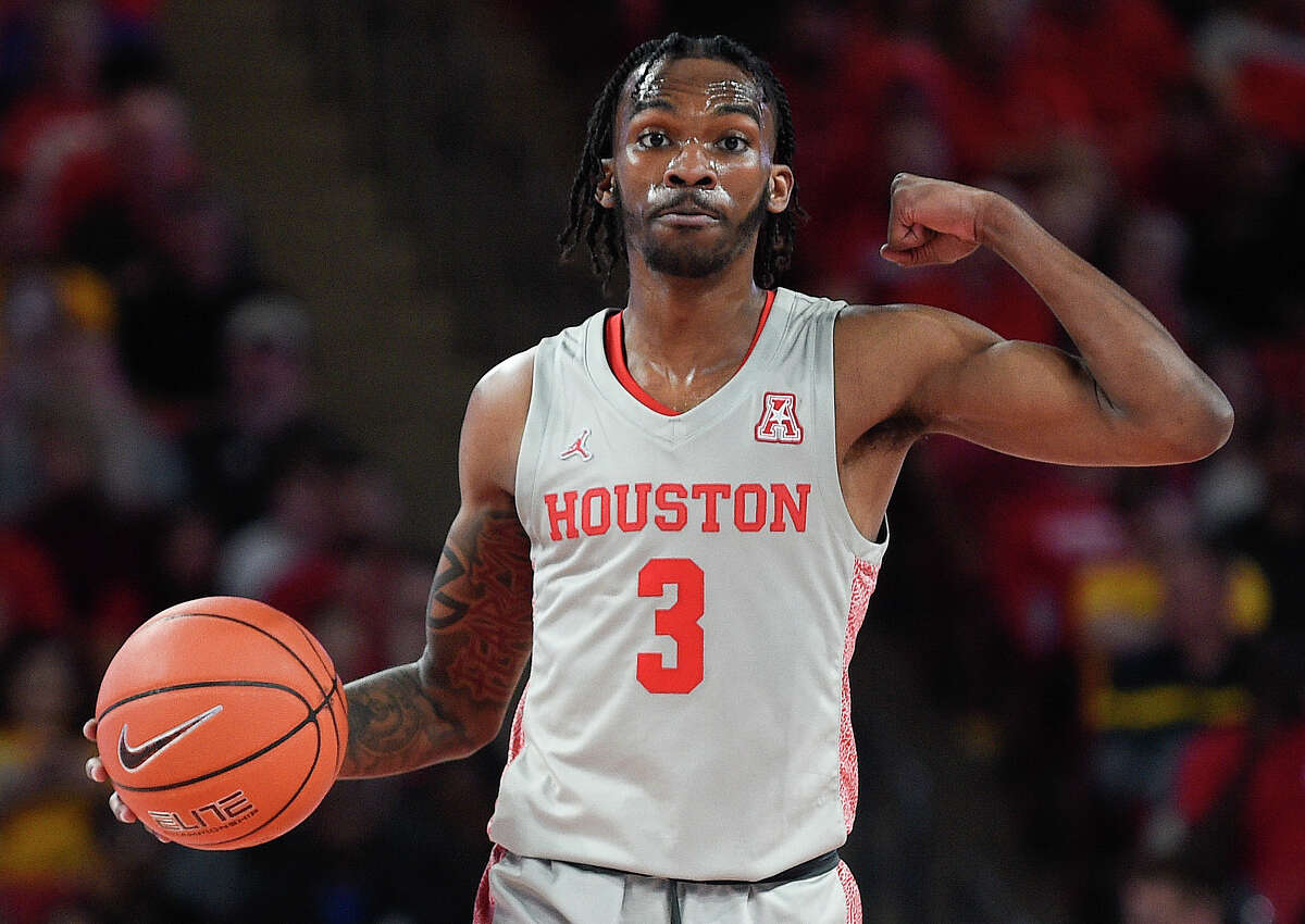 Because he did not hire an agent, DeJon Jarreau kept his amateur status, allowing for a return to UH.