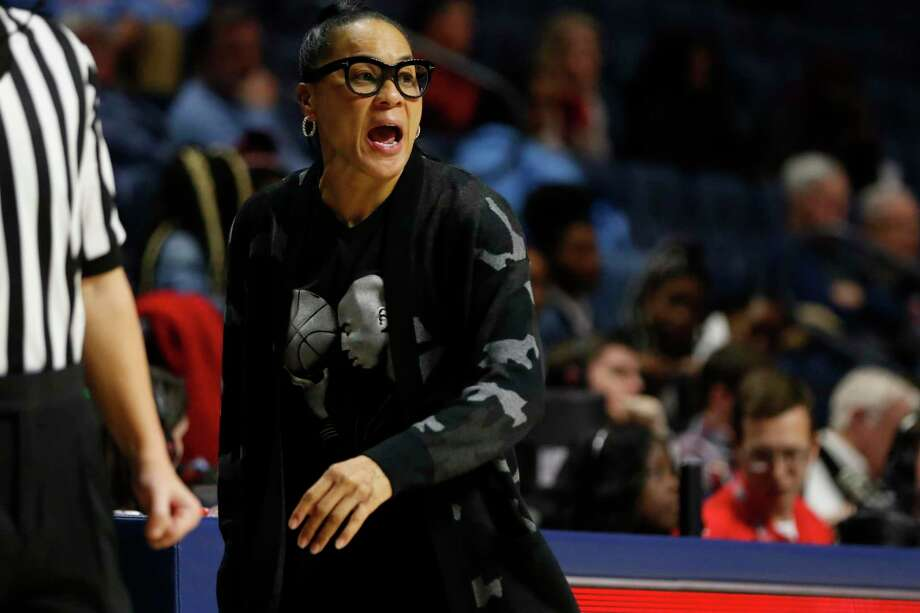 South Carolina head coach Dawn Staley calls to her players during the second half of an NCAA women's basketball game against Mississippi on Jan. 30, 2020, in Oxford, Miss. Photo: Rogelio V. Solis / Associated Press / Copyright 2020. The Associated Press. All rights reserved
