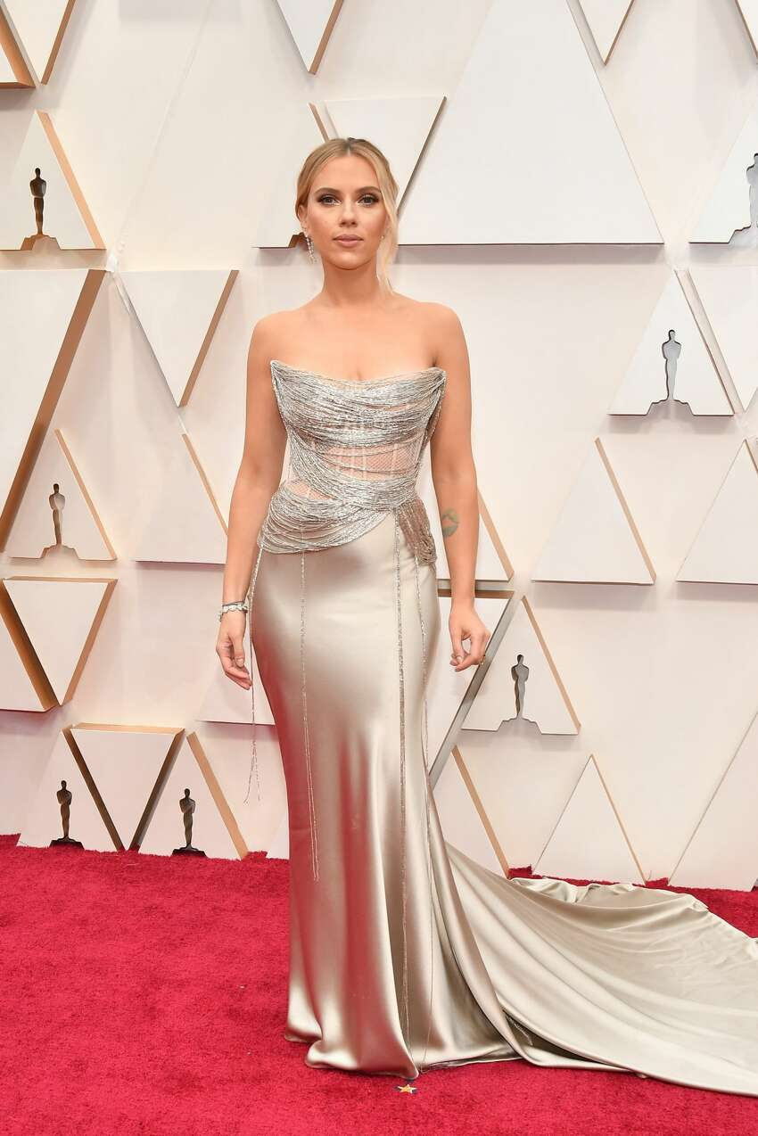 HOLLYWOOD, CALIFORNIA - FEBRUARY 09: Scarlett Johansson attends the 92nd Annual Academy Awards at Hollywood and Highland on February 09, 2020 in Hollywood, California. (Photo by Amy Sussman/Getty Images)
