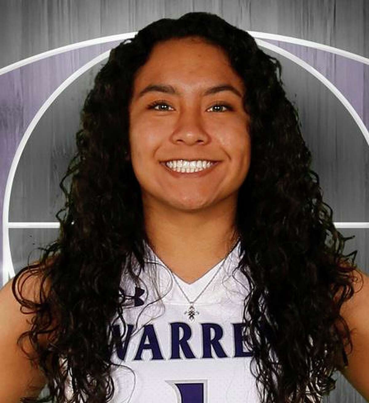 Sophomore Vivianna Solis is a guard for Warren