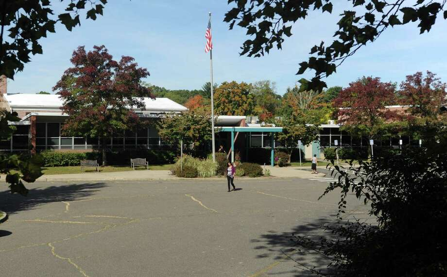 Mill Hill Elementary School 635 Mill Hill Terrace in Southport. Photo: Cathy Zuraw / Connecticut Post
