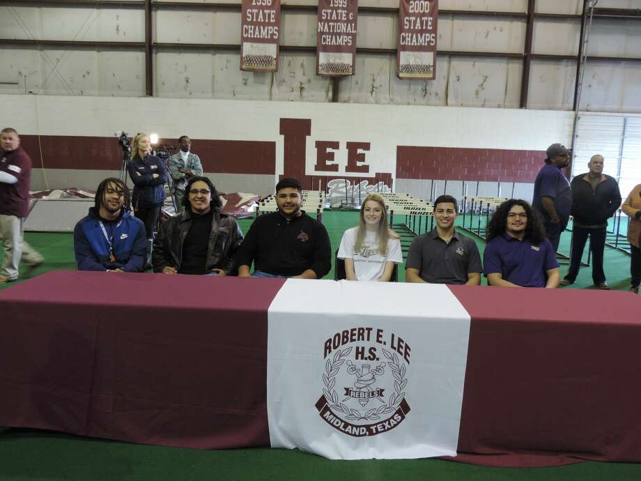 Lee football players, girls soccer player make college ...