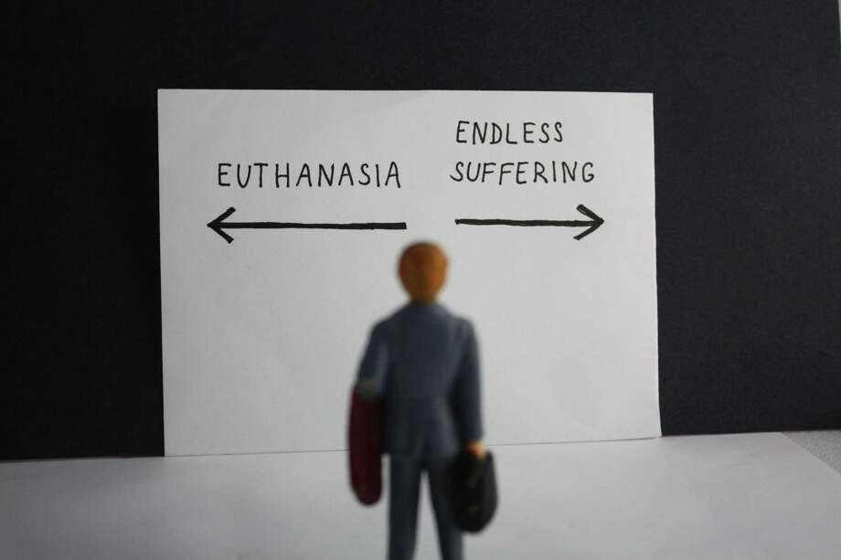 Euthanasia versus endless suffering concept Photo: Dreamstime / © Jana Kleteckova/Dreamstime