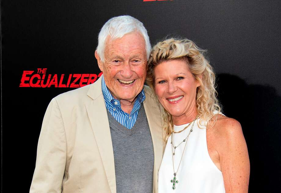 "Orson Bean and his wife, actress Alley Mills, attend ""The Equalizer 2"" premiere in Hollywood in 2018. Photo: Valerie Macon / AFP Via Getty Images 2018"