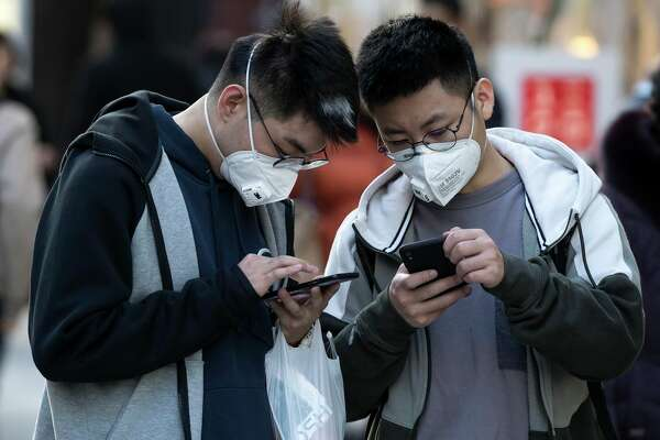 The coronavirus, first detected in China, is hurting tech companies like Apple.