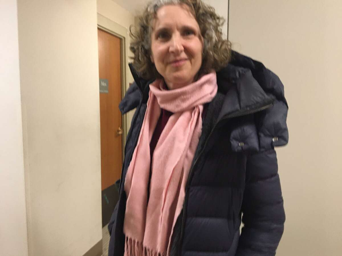 Laura Cahn, environmentalist, had high praise for the asphalt recycling plant proposal.