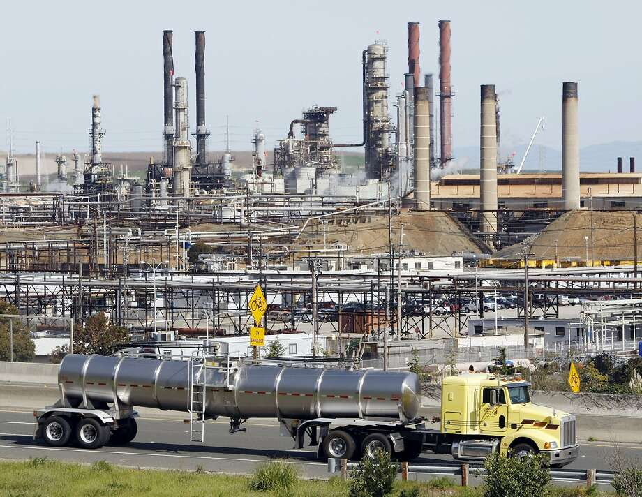 The Chevron oil refinery in Richmond, Calif. Photo: Paul Sakuma, Associated Press