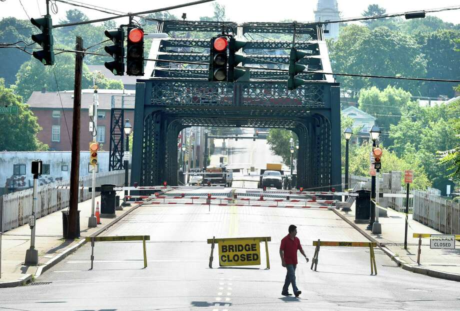 The Grand Avenue Bridge in New Haven when it was closed for preventative maintenance and routine repairs in 2015. Photo: Arnold Gold / Hearst Connecticut Media File Photo
