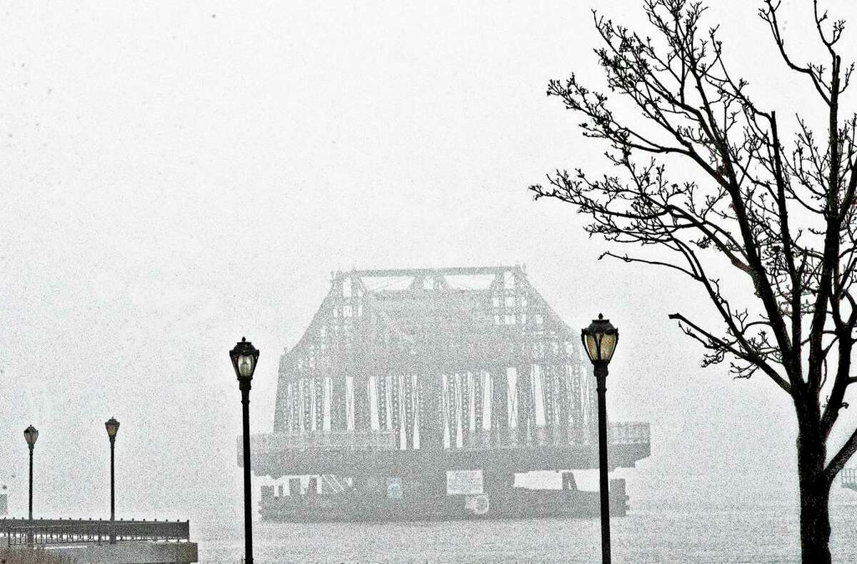 A section of the Grand Avenue Bridge seen from Quinnipiac Park in 2005.