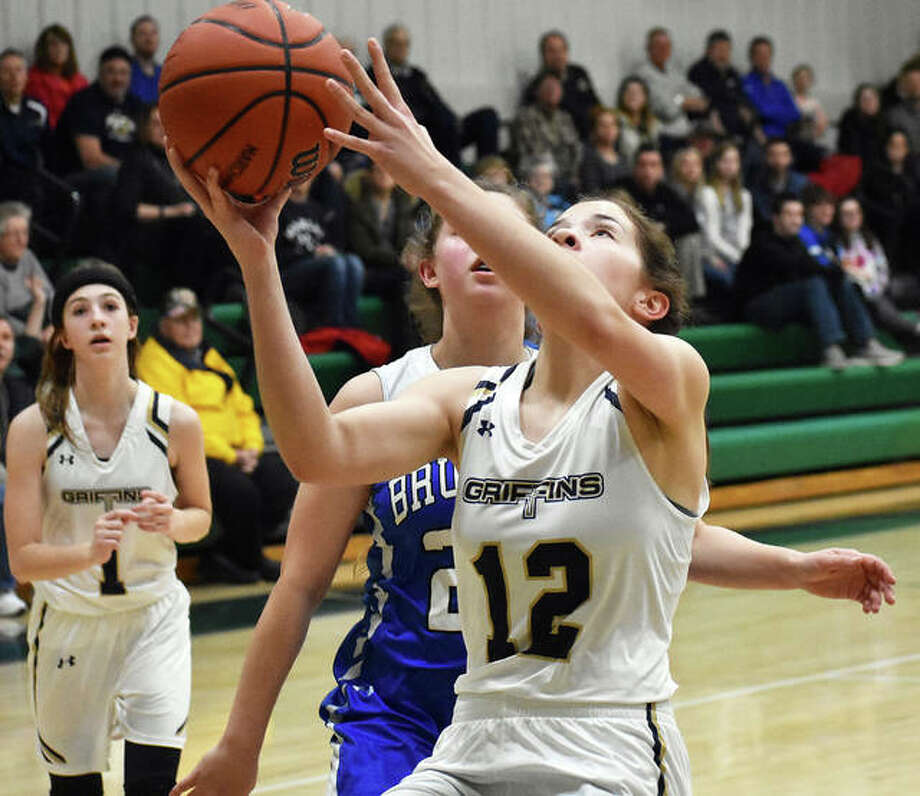 FMCHS guard Riley Zumwalt goes in for a layup in the third quarter against Brussels on Wednesday in Edwardsville. Photo: Matt Kamp|The Intelligencer