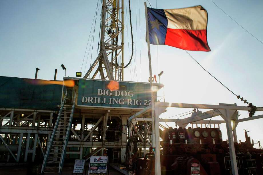 The number of operating oil and gas drilling rigs in the U.S. was unchanged this week, still near a three-year low. Photo: Brittany Sowacke / Bloomberg / © 2014 Bloomberg Finance LP