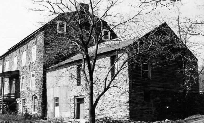 The Coeymans house had fallen into disrepair, as seen in this photo taken some time in the mid-2oth century.