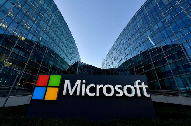 Microsoft: Workers will work from home through the end of October. Microsoft is asking employees to work from home through the end of October. The company has also offered 12 weeks (paid) emergency leave should anyone need to take time off. While LinkedIn, which Microsoft owns, has reportedly offered the same 12-week leave option to employees, the company declined to comment to SFGATE as to when its workers might come back to the office. Photo: Gerard Julien, AFP Via Getty Images