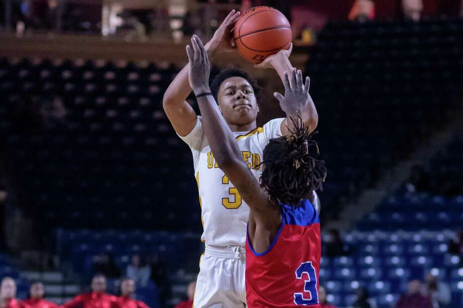 The Beaumont Timberwolves downed the Bruins of West Brook at Ford Park Arena on Tuesday, January 7, 2020. Fran Ruchalski/The Enterprise Photo: Fran Ruchalski/The Enterprise / 2019 The Beaumont Enterprise