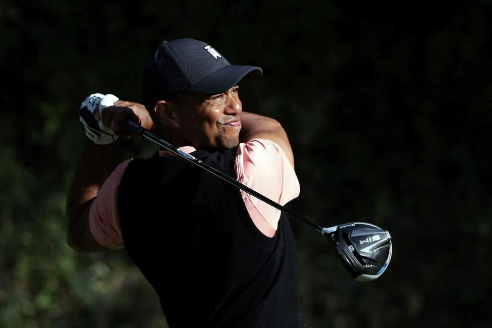 PACIFIC PALISADES, CALIFORNIA - FEBRUARY 13: Tiger Woods of the United States plays a shot on the 13th hole during the first round of the Genesis Invitational on February 13, 2020 in Pacific Palisades, California. (Photo by Katelyn Mulcahy/Getty Images)