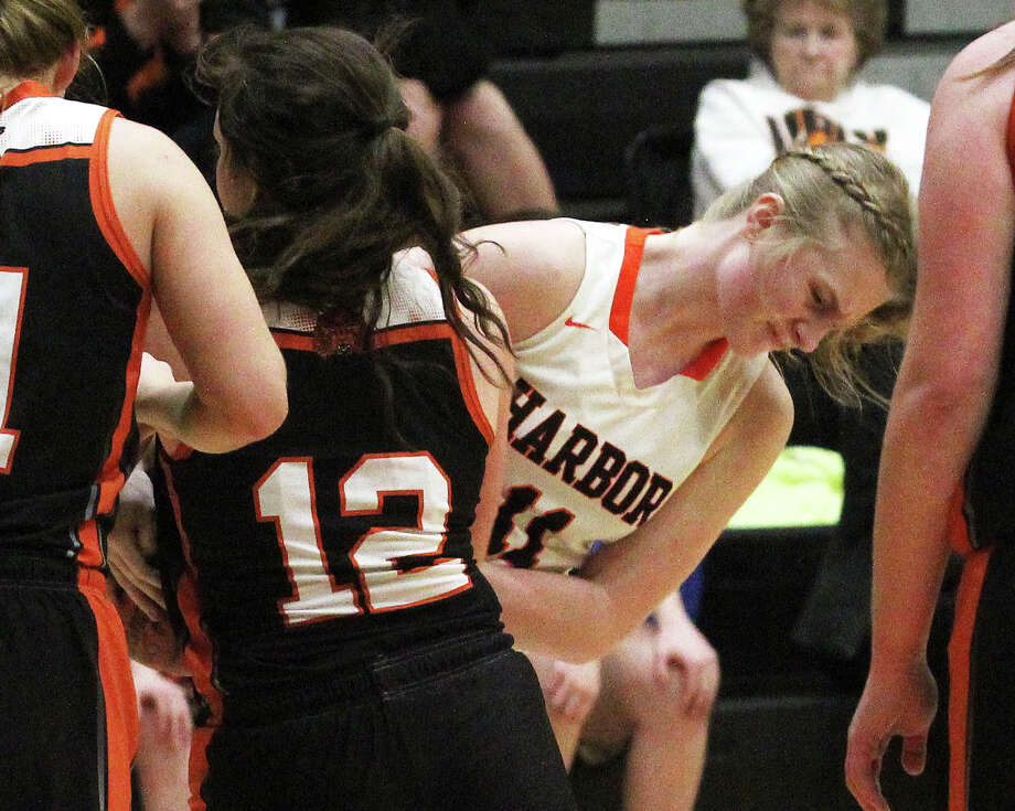 The Ubly girls basketball team improved to 15-1 on the season after a big road win over rival Harbor Beach, 57-39, on Thursday night. Photo: Mark Birdsall/Huron Daily Tribune