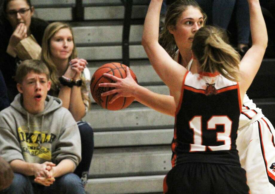 Ubly, Cass City, Owen-Gage, Deckerville and North Huron girls teams all picked up wins Thursday night. Photo: Mark Birdsall/Huron Daily Tribune