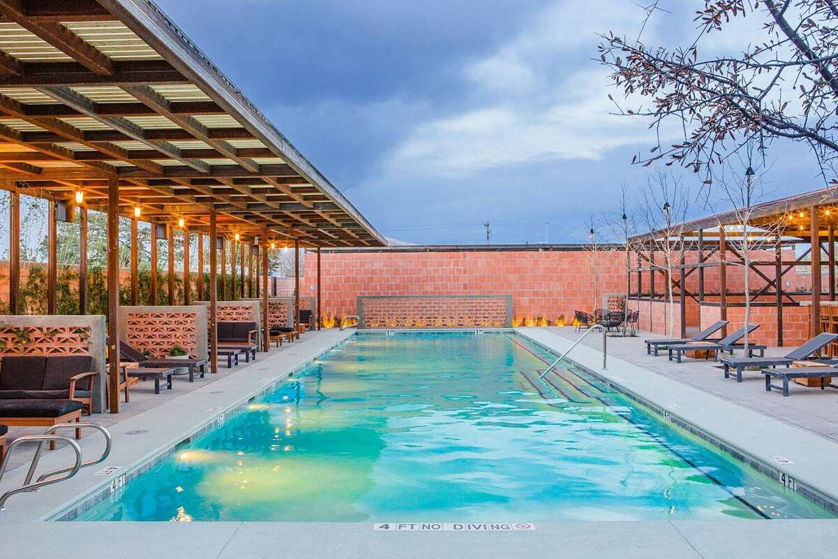 Hotel Saint George guests enjoy complimentary seasonal access to Bar Nadar Pool+Grill.