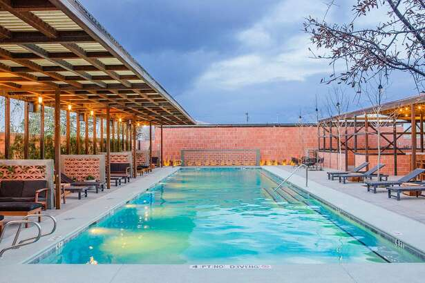 Hotel Saint George guests enjoy complimentary seasonal access to Bar Nadar Pool+Grill.