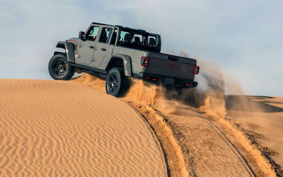 The 2020 Gladiator Mojave, Jeep's new desert warrior, is one of the last pickups equipped with a manual gearbox. Photo: FCA US LLC