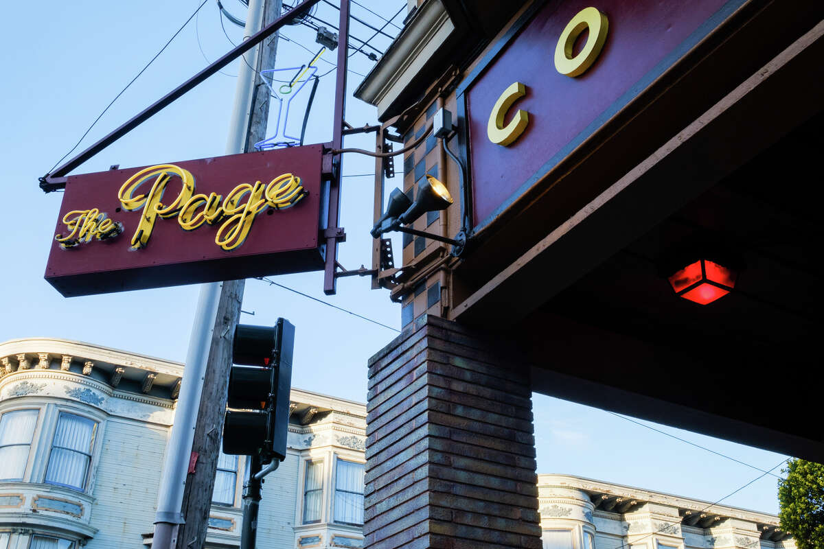 The Page, a Divisadero dive bar, is located at the corner of Divisadero and Page St.
